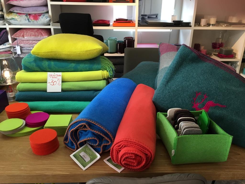 Steiner1888 Decken aus Merinowolle Sommerfarben