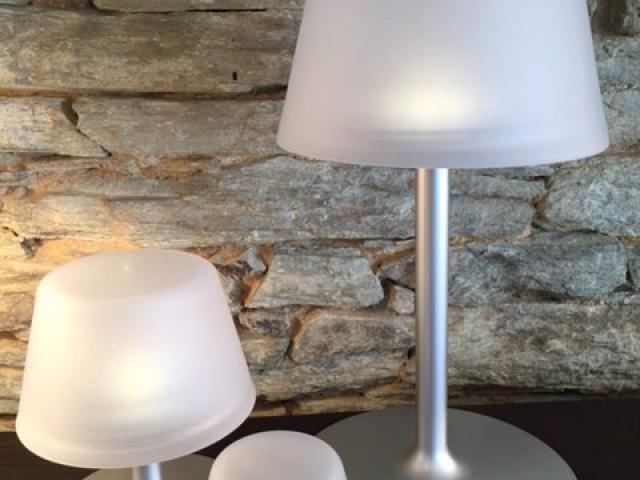 Kollektion Solarlampe Tischlampe, mittel und groß